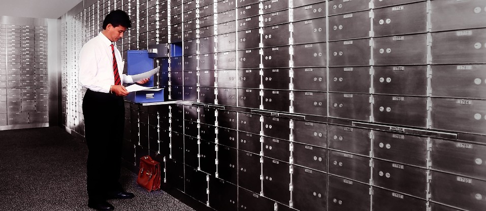 Safe deposit box to store your valuables